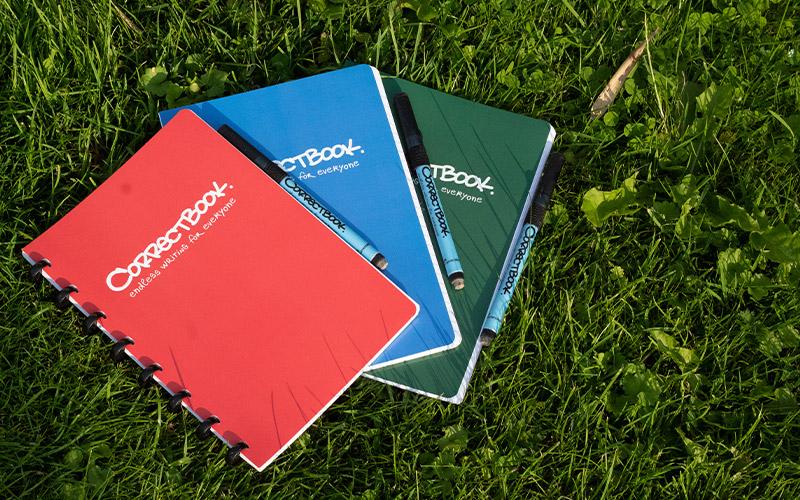 Stationery anno 2020: Duurzaam schrijven met een uitwisbaar notitieboek van Correctbook
